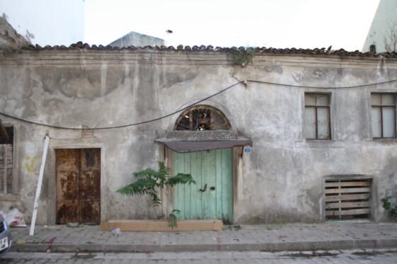 Η πόλη υπήρξε ισχυρότατη, λόγω του σημαντικού λιμανιού της, πάνω στον εμπορικό δρόμο που συνέδεε την Ελλάδα και ολόκληρη την Μεσόγειο με τον Εύξεινο Πόντο. Ο Ε. Πόντος ήταν εξαιρετικά σημαντικός για εισαγωγή πολλών προϊόντων. Εκτός από τα ψάρια, που πάστωναν και πουλούσαν, π.χ. τον τόνο στην Κύζικο, άλλα σημαντικά […]