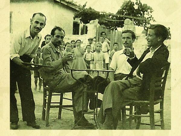 ΠΡΟΒΟΛΗ ΝΤΟΚΙΜΑΝΤΕΡ  Σας προσκαλούμε στη προβολή του ντοκιμαντέρ ΝΕΑ ΖΩΗ, την Πέμπτη, 27 Μαρτίου, στην αίθουσα 4Α της σχολής Δημοσιογραφίας και ΜΜΕ.Το '70 ντοκιμαντέρβασίζεται στο πρώτο web-documentary στην Ελλάδα (www.lampsakos.com), που δημιούργησε ως διπλωματική εργασία η μεταπτυχιακή φοιτήτρια της σχολής, Άννα Ποδάρα. Η ΝΕΑ ΖΩΗ έκανεπρεμιέρα στο Φεστιβάλ Ντοκιμαντέρ […]